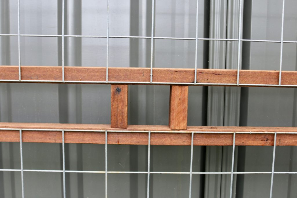 how to build a trellis fence